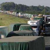 Cerca de 90.000 camiones transportan granos mientras cae el uso del ferrocarril
